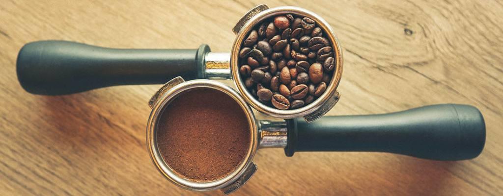 Exemplo de grãos gourmet e pó de café gourmet